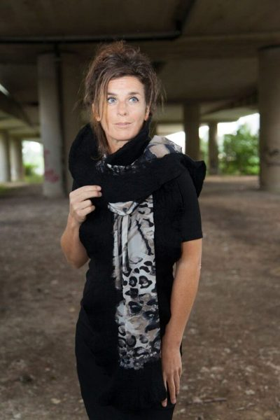 Craft Poncho / Scarf Sofia Artistic and Black
