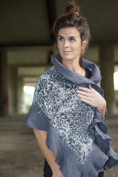 Craft Poncho / Scarf Sofia Dalmatian and Dark Gray
